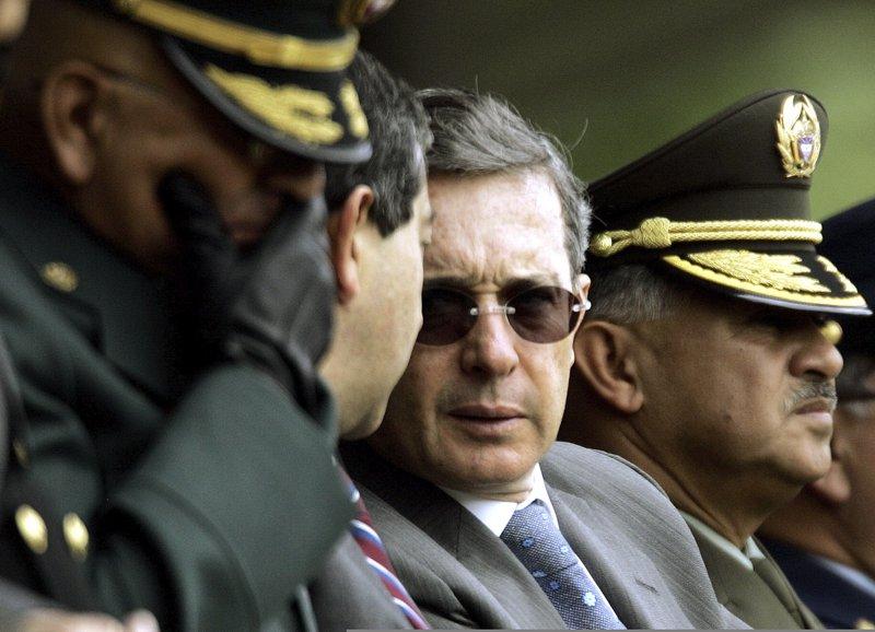 Cables de EE.UU: El ex presidente de Colombia es sospechoso de tener vínculos con la milicia
